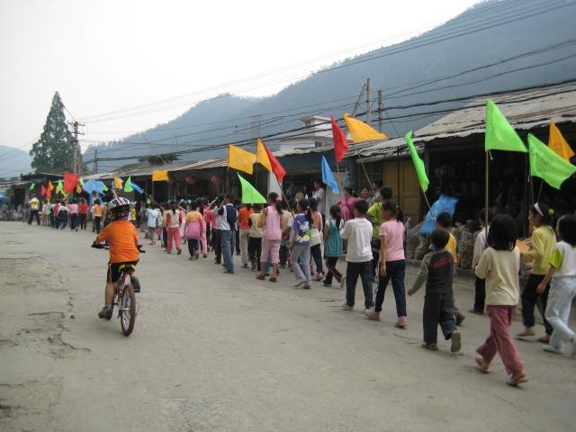 001 Maypole Procession.JPG