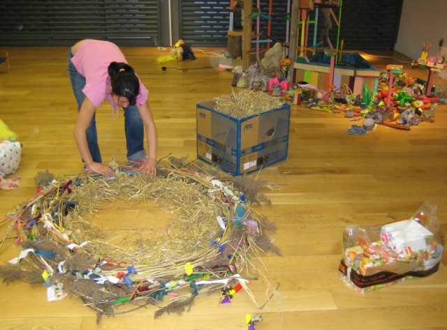 2Me lay hay nest.jpg